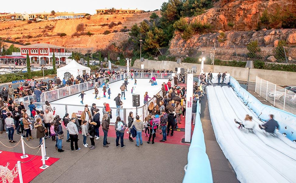 Aanbod van ijsbaan en glijbaan van Xtraice