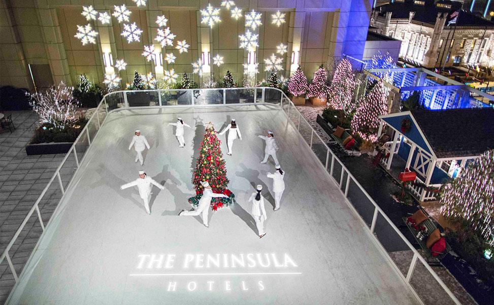 Synthetische ijsbaan in het hotel Peninsula van Chicago
