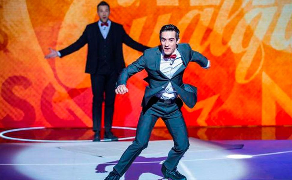 Il pattinatore artistico, Javier Fernández, su ghiaccio sintetico Xtraice