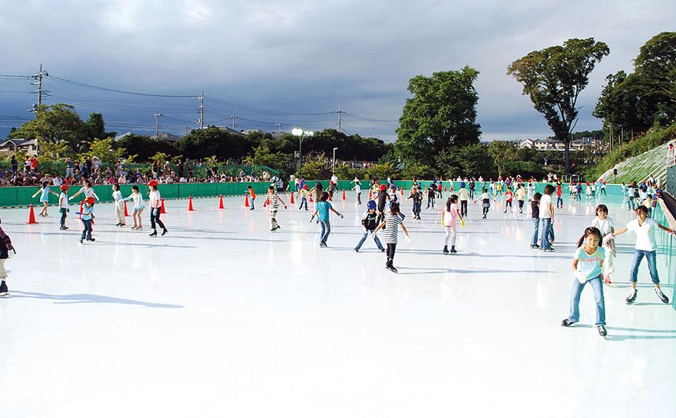 La patinoire synthétique la plus grande du monde, par Xtraice