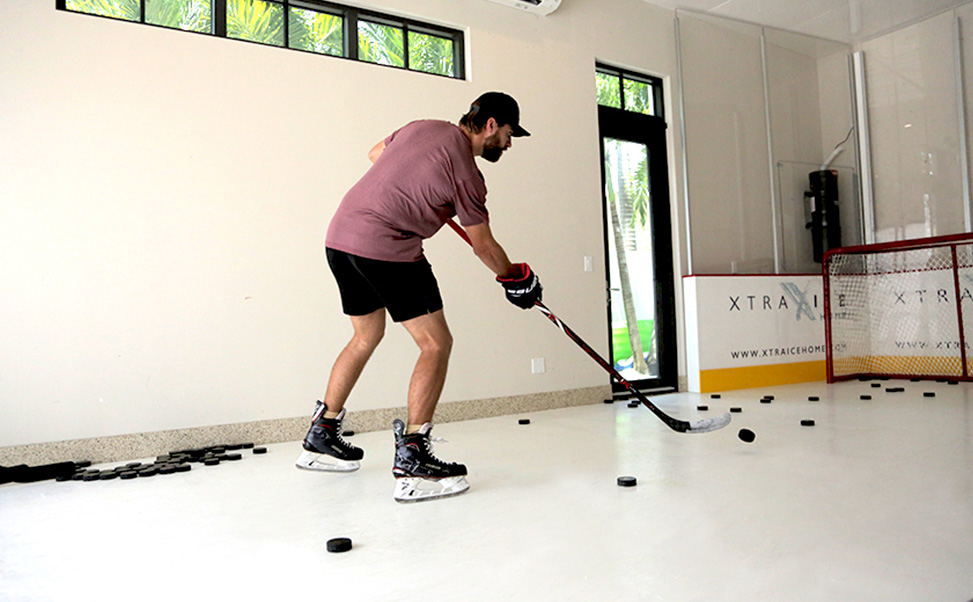 Aaron Ekblad trains on synthetic ice Xtraice at home