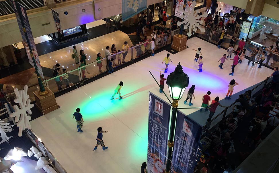 Eisbahn in Ihrem Einkaufszentrum aufzubauen