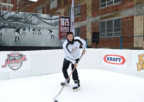 Eishockeybahn aus synthetischem Xtraice