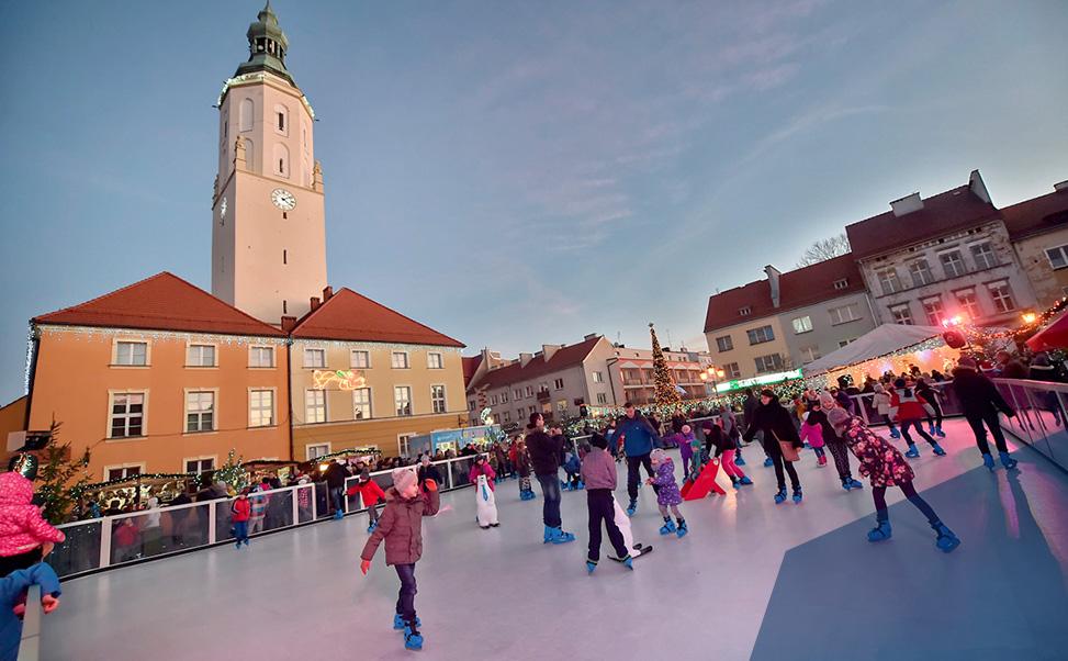Schaatsbaan in de winter / Wilt U een ijsbaan huren?