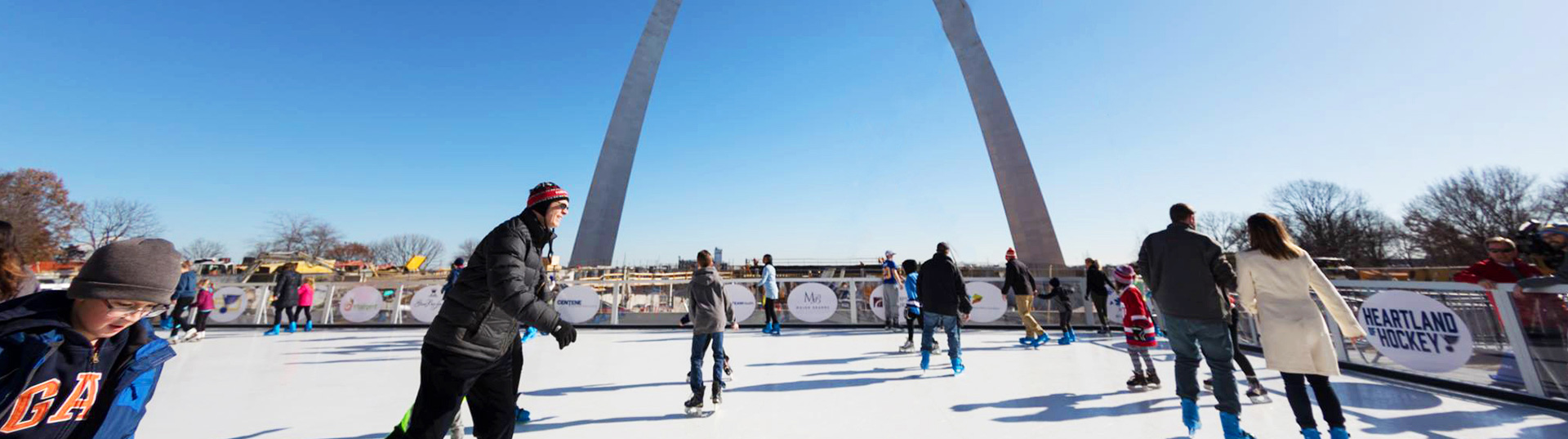 Portable ice skating rink Xtraice | Synthetic surface