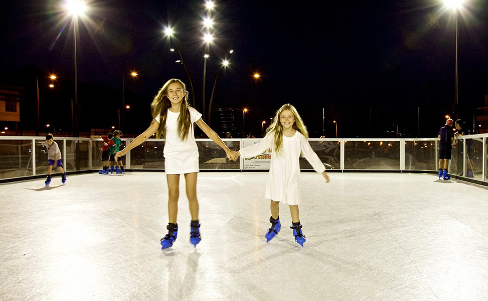 Schaatsen op ijs in de zomer / Nu is het mogelijk