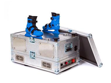 エクストラアイスの研磨機は両足分同時に研磨可能です。