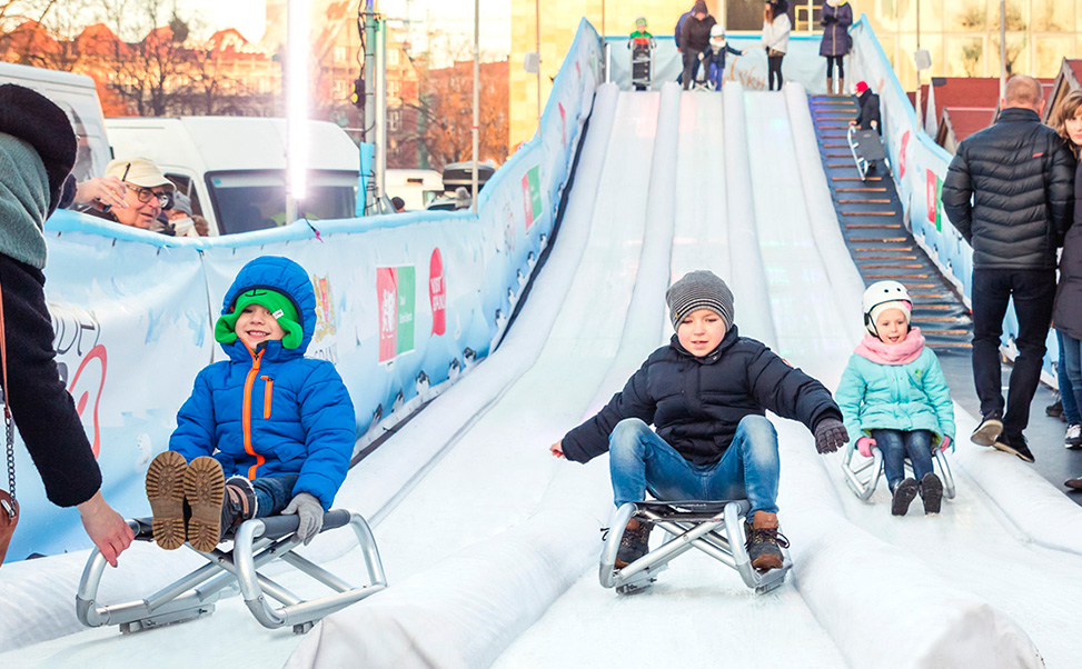 Three-lane Xtraice synthetic ice Slide